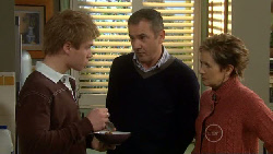 Ringo Brown, Karl Kennedy, Susan Kennedy in Neighbours Episode 5808