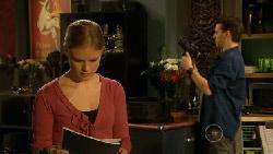Elle Robinson, Lucas Fitzgerald in Neighbours Episode 5808