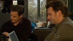 Paul Robinson, Elle Robinson, Lucas Fitzgerald in Neighbours Episode 5809