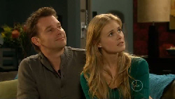 Lucas Fitzgerald, Elle Robinson in Neighbours Episode 5810