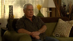 Lou Carpenter in Neighbours Episode 5810
