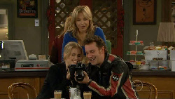 Elle Robinson, Steph Scully, Lucas Fitzgerald in Neighbours Episode 5812