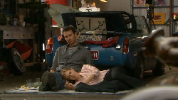 Lucas Fitzgerald, Elle Robinson in Neighbours Episode 5812