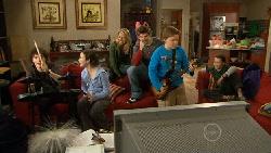 Harry Ramsay, Kate Ramsay, Donna Freedman, Declan Napier, Callum Jones, Sophie Ramsay in Neighbours Episode 5816