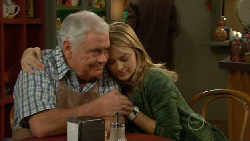 Lou Carpenter, Donna Freedman in Neighbours Episode 5817