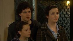 Harry Ramsay, Sophie Ramsay, Kate Ramsay in Neighbours Episode 5817