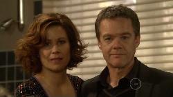 Rebecca Napier, Paul Robinson in Neighbours Episode 5817