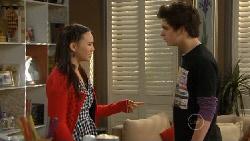 Sunny Lee, Zeke Kinski in Neighbours Episode 5824