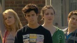 Donna Freedman, Zeke Kinski, Kate Ramsay, Declan Napier in Neighbours Episode 5824