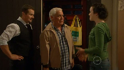Toadie Rebecchi, Lou Carpenter, Kate Ramsay in Neighbours Episode 5825