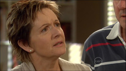 Susan Kennedy, Karl Kennedy in Neighbours Episode 5826