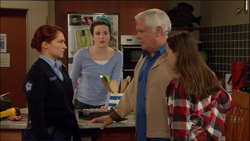 Constable Simone Page, Kate Ramsay, Lou Carpenter, Sophie Ramsay in Neighbours Episode 5826