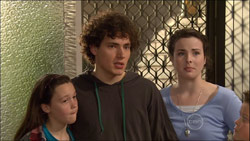 Sophie Ramsay, Harry Ramsay, Kate Ramsay in Neighbours Episode 5826