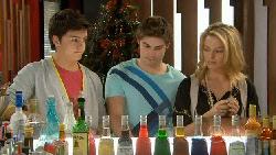 Zeke Kinski, Declan Napier, Donna Freedman in Neighbours Episode 5829