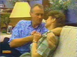 Jim Robinson, Beverly Marshall in Neighbours Episode 0662