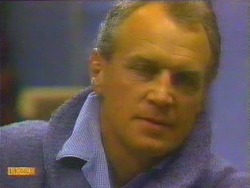 Jim Robinson in Neighbours Episode 0662