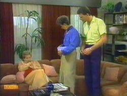 Eileen Clarke, Nell Mangel, Des Clarke in Neighbours Episode 0663