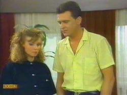 Sally Wells, Des Clarke in Neighbours Episode 0663