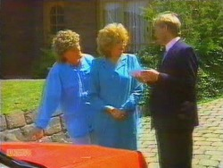 Henry Ramsay, Madge Ramsay, Barry Hawkins in Neighbours Episode 0664