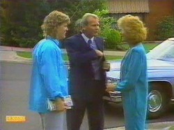 Henry Ramsay, Barry Hawkins, Madge Ramsay in Neighbours Episode 0664
