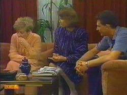 Eileen Clarke, Beverly Marshall, Des Clarke in Neighbours Episode 0664