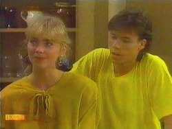 Jane Harris, Mike Young in Neighbours Episode 0666