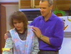 Beverly Robinson, Jim Robinson in Neighbours Episode 0666
