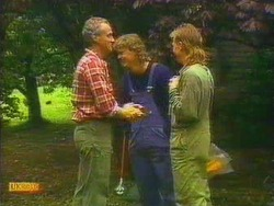 Jim Robinson, Henry Ramsay, Scott Robinson in Neighbours Episode 0666