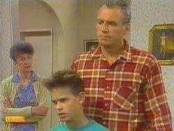 Nell Mangel, Todd Landers, Jim Robinson in Neighbours Episode 0667