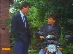 Des Clarke, Mike Young in Neighbours Episode 0669