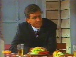Des Clarke in Neighbours Episode 0669