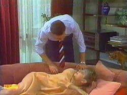 Des Clarke, Eileen Clarke in Neighbours Episode 0669