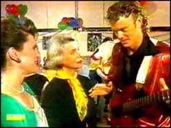 Beverly Robinson, Helen Daniels, Henry Ramsay in Neighbours Episode 0763
