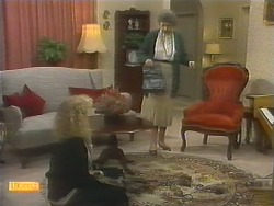 Sharon Davies, Nell Mangel in Neighbours Episode 0783