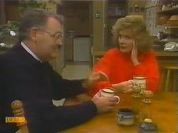 Harold Bishop, Madge Bishop in Neighbours Episode 0784
