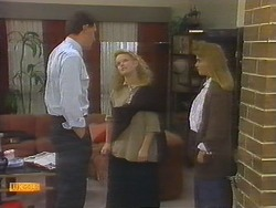 Des Clarke, Sharon Davies, Bronwyn Davies in Neighbours Episode 0785