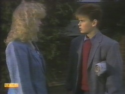 Sharon Davies, Todd Landers in Neighbours Episode 0787