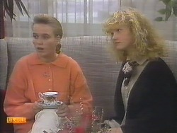 Bronwyn Davies, Sharon Davies in Neighbours Episode 0789