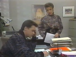 Paul Robinson, Gail Robinson in Neighbours Episode 0790
