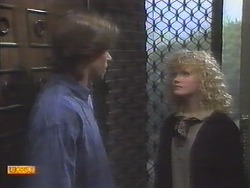 Mike Young, Sharon Davies in Neighbours Episode 0790