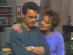 Paul Robinson, Gail Robinson in Neighbours Episode 0792