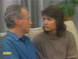 Jim Robinson, Beverly Marshall in Neighbours Episode 0793