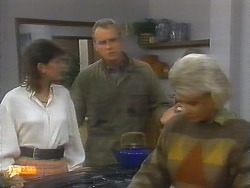 Beverly Marshall, Jim Robinson, Helen Daniels in Neighbours Episode 0794