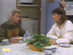 Helen Daniels, Beverly Marshall in Neighbours Episode 0794