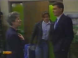 Nell Mangel, Mike Young, Des Clarke in Neighbours Episode 0795