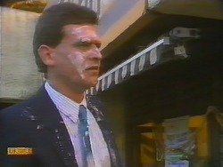 Des Clarke in Neighbours Episode 0795