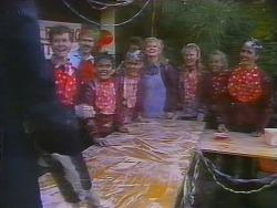 Des Clarke, Gary Lim, Todd Landers, Sharon Davies in Neighbours Episode 0795