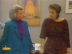 Helen Daniels, Gail Robinson in Neighbours Episode 0797