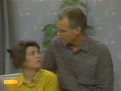 Beverly Robinson, Jim Robinson in Neighbours Episode 0806