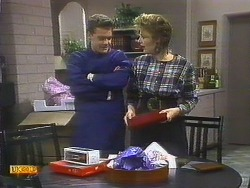Paul Robinson, Gail Robinson in Neighbours Episode 0806